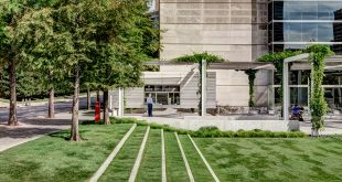 Eagle Family Plaza en el Museo de Arte de Dallas | Hocker Design Group + StudioOutside